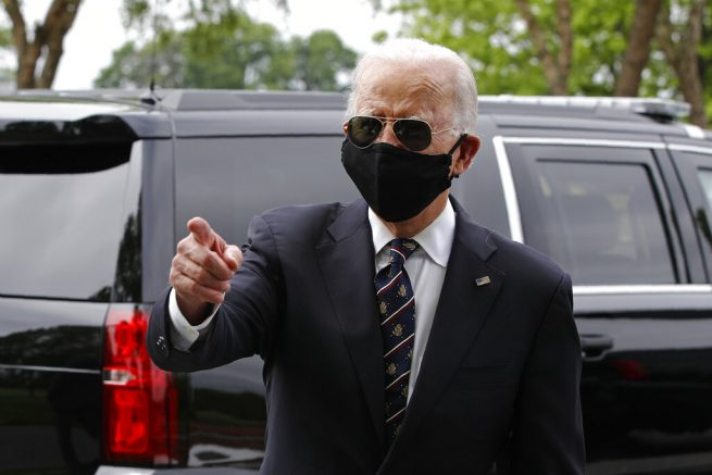 Biden Calls Trump an 'Absolute Fool' for Not Wearing a Face Mask