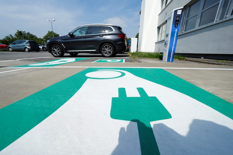 Germany: All Gas Stations Must Offer Electric Car Charging