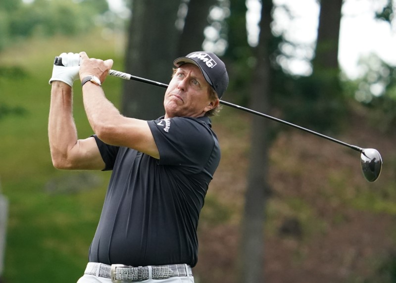 Six-times runner-up Mickelson gets exemption into U.S. Open