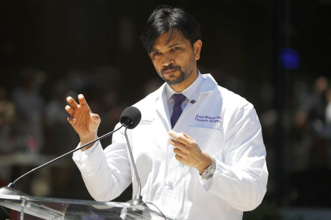 United States surgeons perform double-lung transplant on Covid-19 patient