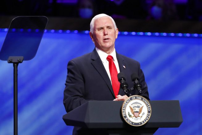 Pence urges people to wear masks as United States  cases surge