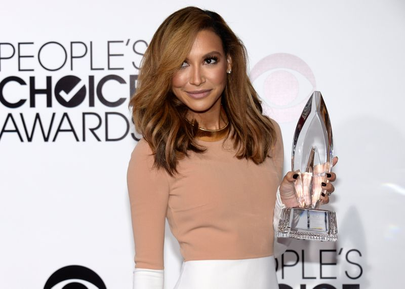 Naya Rivera poses with her award at the 2014 People's Choice Awards in Los Angeles
