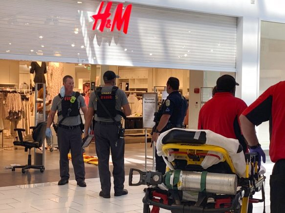 4 injured in shooting at shopping mall in U.S. Alabama