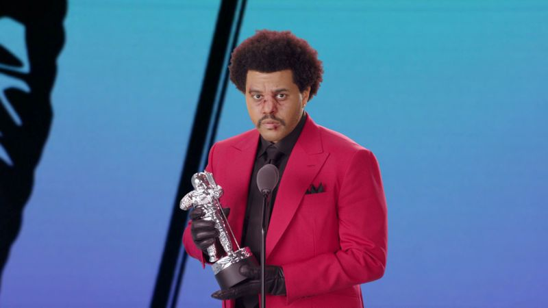 The Weeknd accepts the award for Best R&B during the 2020 MTV VMAs
