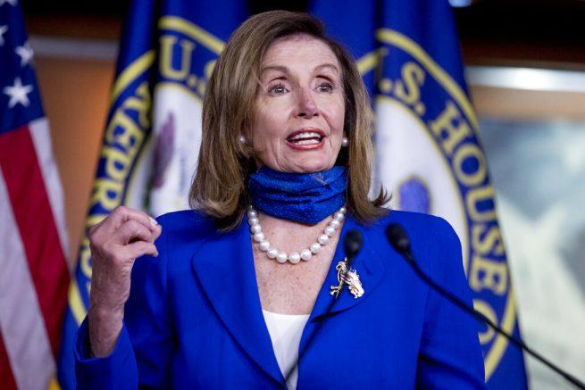 Pelosi says coronavirus aid talks with Mnuchin, Meadows to continue Tuesday