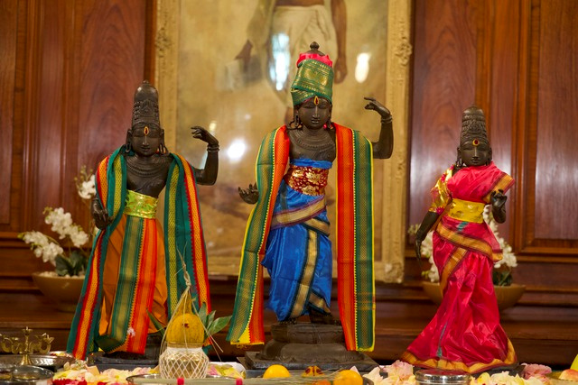 Three bronze statues stolen over 40 years ago return to India