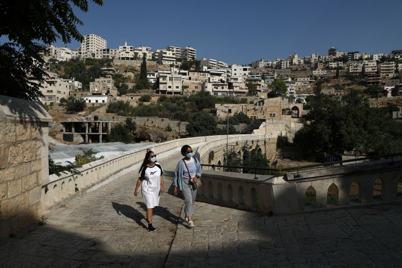 In occupied West Bank, Palestinian bloggers see local tourism as defiance