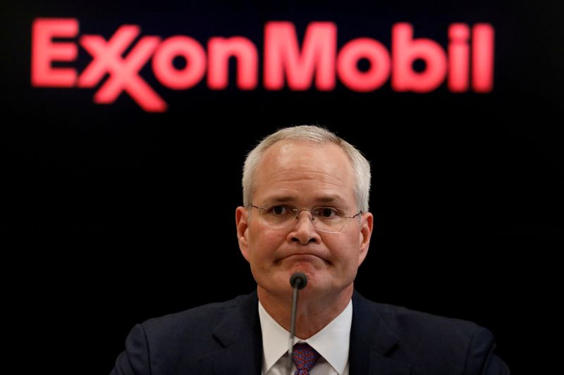 Job cut nation: Exxon Mobil to lay off 1,900 U.S. employees