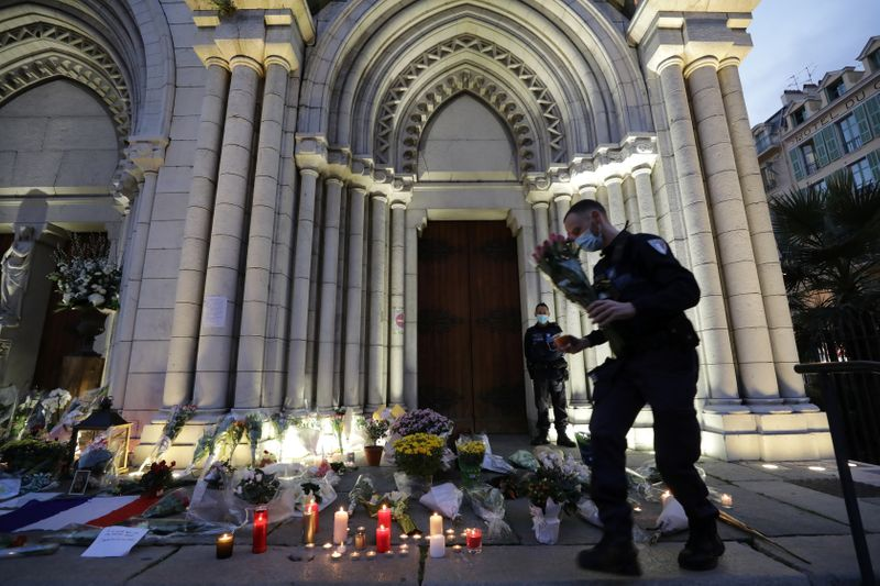 Nice mourns day after deadly knife attack
