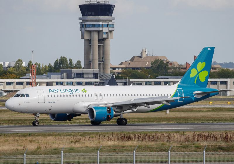 An Aer Lingus Airbus A320 prepares to take off at the builder's headquarters in Colomiers near Toulouse