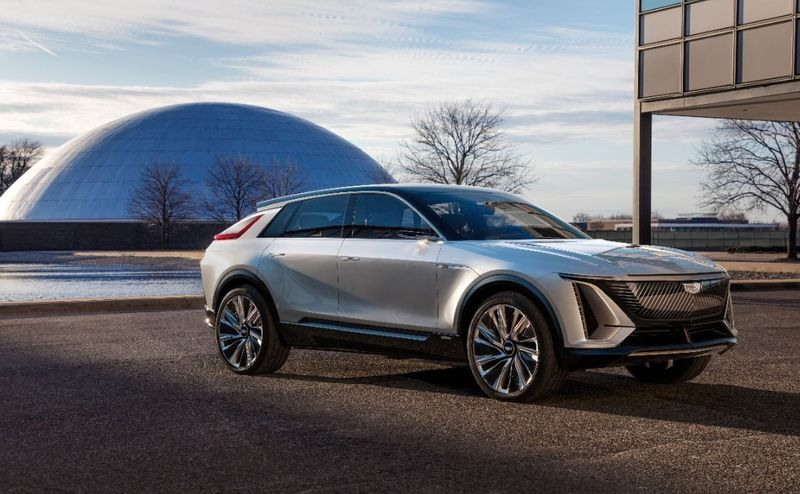 FILE PHOTO: GM to invest $2 billion to build electric vehicles in Tennessee