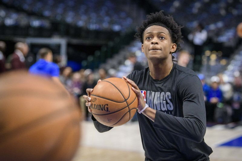 De'Aaron Fox agrees to $163 million rookie-scale extension with Kings