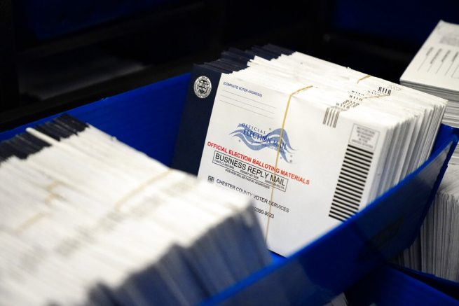 USA  postal worker and vote 'whistle-blower' recants allegations